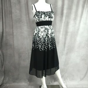 MIDI BLACK AND WHITE FLORAL COCKTAIL DRESS